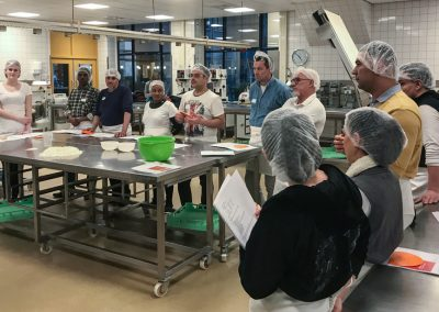 Tweede groep zij-instromers start met opleiding assistent in de bakkerij